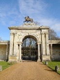 mm-heritage_gates_wilton-house-salisbury
