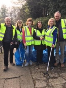 Photo- Cleanup Volunteers Annual Mount Merrion Spring Clean 2019