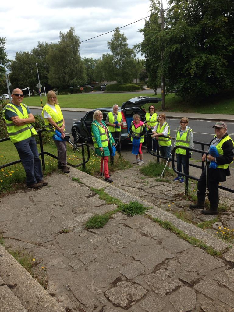 MMRA Cleanup Volunteers at entrance to Deerpark